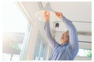 installation ampoule intérieur